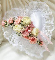 wedding pillow heart - Recherche Google