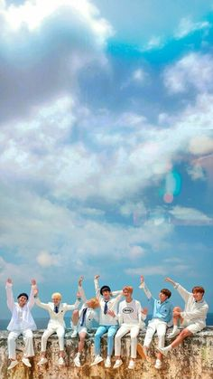 Bangtan❤ Can't tell what's more beautiful the sky or BTS ☁