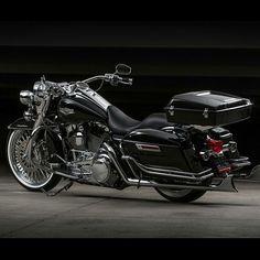 Harley Davidson News – Harley Davidson Bike Pics Harley Davidson Motorcycles, Custom Motorcycles, Custom Bikes, Indian Motorcycles, Triumph Motorcycles, Bagger Motorcycle, Motorcycle Style, Motorcycle Garage, Motorcycle Tips