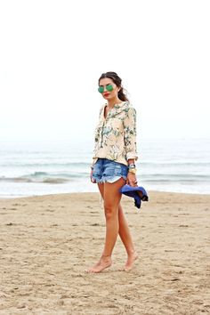 http://fashionhippieloves.com/2014/06/vacation-outfit-ripped-denim-shorts/