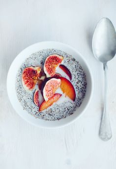 chia pudding with plums and figs