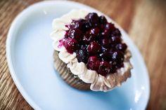 Blueberry Pie Cupcakes at v-gasm
