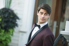 Tuxedos, Suits, and Formal Wear in Northeastern United States   800-233-1404   Tuxedo by Sarno