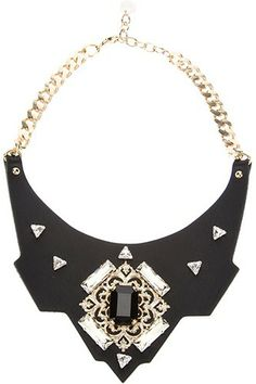 11 Standout Necklaces To Add Luster To Your Lazy-Day Look #refinery29