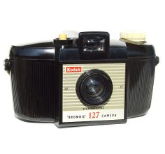 I don't have this one! Ooh I want it! I am cameragirl after all!  (1959) Kodak Brownie 127 Model II