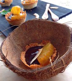Tartaletas de Macaroons de Coco con Chocolate y Piña