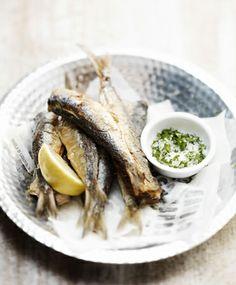 Gefrituurde sardines met peterseliezout Bruschetta, Wine Recipes, I Foods, Tapas, Seafood, Paleo, Beef, Fish, Cooking