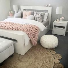 Gray and pink bedroom ideas - #blushpinkbedroom #rosegoldbedroom #rosebedroom #bedroomideas #bedroomdecor #blushpink #diyroomdecor #houseideas #blushbedroom #dustypinkbedroom #littlegirlsroom #homedecorideas #pinkandgold #girlbedroom #dreambedrooms