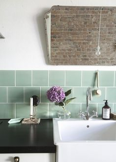 New Kitchen Tile Backsplash Scandinavian Ideas Swedish Kitchen, Scandinavian Kitchen, Scandinavian Design, Indoor Outdoor Kitchen, Cocinas Kitchen, My Ideal Home, Kitchen Backsplash, Kitchen Worktop, Kitchen Sink