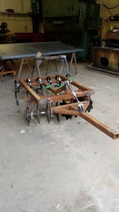 Slow and steady - Comfort Food Compact Tractor Attachments, Garden Tractor Attachments, Yard Tractors, Small Tractors, Metal Projects, Welding Projects, Creative Deck Ideas, Homemade Tractor, Tractor Accessories