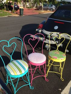 Items similar to Vintage Ice Cream Parlor Chairs on Etsy Playroom Diy Home Furniture, Iron Furniture, Repurposed Furniture, Furniture Makeover, Painted Furniture, Old Chairs, Metal Chairs, Black Chairs, Desk Chairs