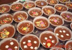 Vianoce si bez typických domácich šuhájd snáď už ani nevieme predstaviť. Xmas Food, Mini Cupcakes, Tiramisu, Projects To Try, Food And Drink, Menu, Drinks, Creative, Desserts