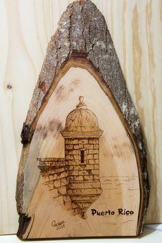 """WoodBurning. Pirograbado en Madera. Garita del Morro. Puerto Rico. Por Rafael Cardona. Artesano Puertorriqueño. Mide 18"""" alto x 10"""" ancho. www.facebook.com/miartesanopr"""