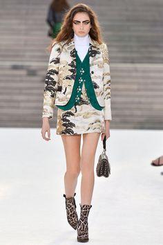 Louis Vuitton Resort 2018 Fashion Show - Alisha Nesvat