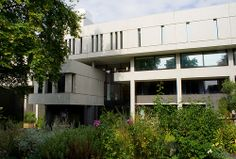 One of my favourite buildings // Royal College of Physicians London / Sir Denys Lasdun / 1964 // Clive Andrews, via Flickr