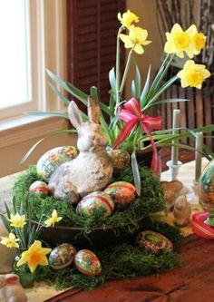 Cute Easter table arrangement