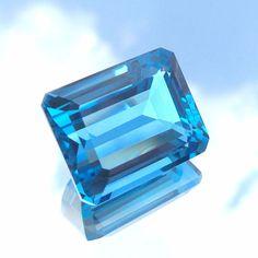 23.5 Ct Natural AAA Grade Octagon Cut Swiss Touch London Blue Topaz 17.4x13.7 MM #GemstonePioneer