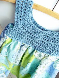 cute dress but didn't see a pattern~ m.i.l.c.h.schaum: heklet+sydd til mitt nye lille tantebarn
