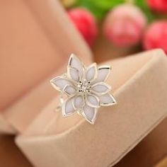 http://crazyberry.in/online-shopping/artificial-imitation-fashion-jewellery/lotus-cocktail-silver-ring