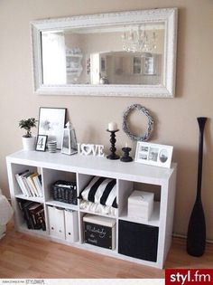 10 Simple and Stylish Tricks Can Change Your Life: Wall Mirror Ikea Small Spaces big wall mirror ideas.Wall Mirror With Lights Beds wall mirror medicine cabinets. Living Room Mirrors, Home Living Room, Living Room Decor, Bedroom Decor, Mirror Bedroom, Decor Room, Bedroom Ideas, Home Organization, Room Inspiration