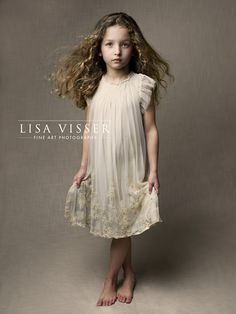 Ideas For Lisa Visser Fine Art Photography Photographers Portrait Photography Poses, Children Photography, Fine Art Photography, Family Photography, Foto Baby, Annie Leibovitz, Jolie Photo, Portrait Inspiration, Studio Portraits