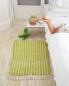 Finger Knitting Projects -Woven Finger Knit Rug