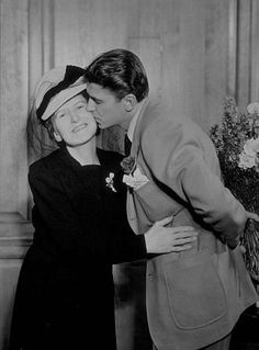 Ronald Reagan with mother Nelle C. 1945