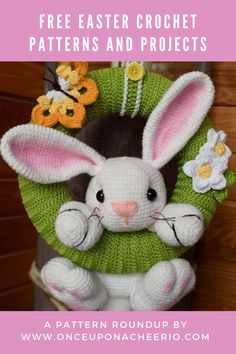 Looking for FREE crochet patterns for Easter? Spring into the season with some crochet Easter eggs, crochet Easter egg cozy, amigurumi bunnies, DIY crochet bunny ears and DIY crochet Easter baskets. Free crochet patterns for beginners that are great for Easter. Knitted Doll Patterns, Crochet Bunny Pattern, Easter Crochet Patterns, Free Crochet, Diy Crochet Easter Basket, Easter Baskets, Crochet Baby Mobiles, Crochet Wreath, Crochet Decoration