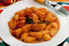 Receta de Patatas a la riojana en http://www.recetasbuenas.com/patatas-la-riojana/ Aprende a preparar una deliciosa receta de patatas a la riojana. Un guiso sencillo y tradicional que podrás preparar rápidamente y con un sabor excelente. #recetas #Primeros