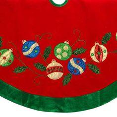 Red Velvet Christmas Tree Skirt with Ornament Applique Diy Christmas Tree Skirt, Xmas Tree Skirts, Christmas Tree Skirts Patterns, Christmas Runner, Christmas Sewing, Christmas Pillow, Felt Christmas, Christmas Projects, Christmas Crafts