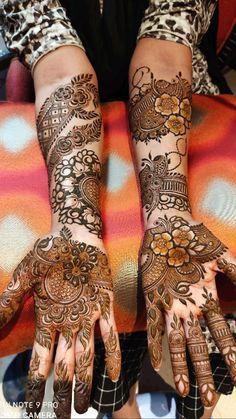 Mehndi Designs Front Hand, Modern Henna Designs, Khafif Mehndi Design, Floral Henna Designs, Stylish Mehndi Designs, Latest Bridal Mehndi Designs, Mehndi Designs For Beginners, Mehndi Design Photos, Wedding Mehndi Designs