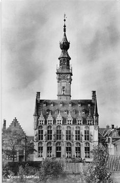 Town hall of Veere, Zeeland.  Cornelis Janszen Dominicus (aka Van der Veer) lived here for part of his life; he is Jennifer's 10th great-grandfather.