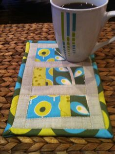 Easy Peasy mug rug