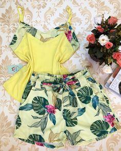 🌻 #atacado&varejo🌻#moda #look #modagoiania#model #luxo #vestidos #coresradiantes #euusogirassol❤️ #apaixonada😍 #lookdodia #fashion… Cute Spring Outfits, Sexy Outfits, Cute Outfits, Pajama Outfits, Sleeves Designs For Dresses, Girls Pajamas, Two Piece Outfit, Aesthetic Clothes, Fashion Dresses