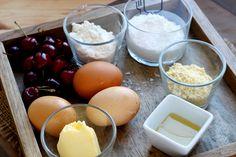 """Retrouvez la photo """"Les ingrédients"""" dans notre diaporama intitulé """"Comment faire des mini moelleux à la cerise ?"""" sur 750g."""