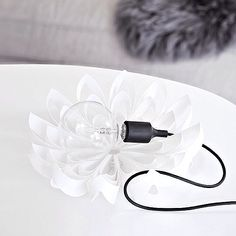 Petals decorative fruit bowl - White www.beandliv.com #beandliv #design #fruitbowl #decoration  Photo by @livewithless