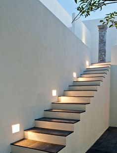 M s de 1000 im genes sobre iluminaci n para casas en - Iluminacion escaleras interiores ...