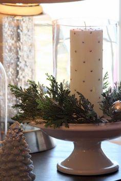pretty candle arrangement