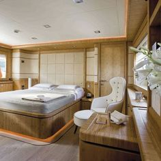 Ferretti Yacht | DMVP Bamboo veneer