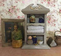 Une petite étagère, miniatures passion