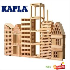 1000 KAPLA blocks and two instruction booklets. The blocks come in a wooden pack on casters that is easy to displace. Ideal for larger groups, schools o… Wooden Building Blocks, Wooden Blocks, Wooden Puzzles, Wooden Toys, 3d Modelle, Wooden Buildings, Natural Building, Wood Planks, Painting On Wood