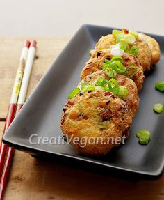 Cómo hacer ganmodoki, pastelitos de tofu y verduras japoneses para tomar como aperitivo o en guisos y sopas como el oden.