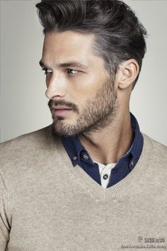 Stubble Beard is a decent facial hair style for any man, any face shape, for any event. Sharp Dressed Man, Well Dressed Men, Stubble Beard, Men Beard, Look Man, Haircuts For Men, Men Hairstyles, Celebrity Hairstyles, Men's Haircuts