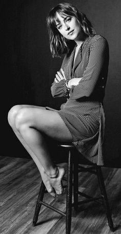 High Fashion Black And White Photography - High fashion black and white model girl portrait High fashion black white studio photoshoot reflective Inspiring black and white fashion photography filtergrade High fashion. Ideas Para Photoshoot, Poses Photo, Photo Shoot, Celebs, Celebrities, White Fashion, Trendy Fashion, Sexy Legs, Portrait Photography