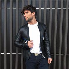Men Style ➖ Leather Jacket MODA MASCULINA _____________________________________ #moda #modabasica #modafashion #modamasculina #modamasculinastyle #lookdodia #lookoftheday #hairstyle #mensfashion #mens #menstyle #mensfashion #men #fashion #fashionista #homem #homemnamoda #homemmoderno #homemvaidoso #homematualizado #itboy ⠀