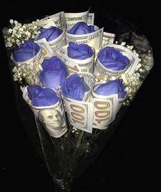 ʙᴀʙʏɢɪʀʟ on April 01 2020 1 person 17th Birthday, Sweet 16 Birthday, Diy Birthday, Birthday Presents, Cute Gifts, Diy Gifts, Great Gifts, Money Bouquet, Creative Money Gifts