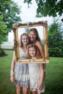 Picture Frame Hanging from Tree for guests to take pics Great idea for a family reunion