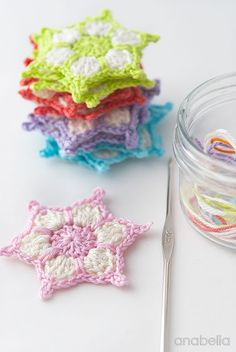 Anabelia craft design: DIY: How to make a crochet stars garland - free pattern