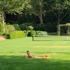 "BHADIDNEWS on Twitter: ""Bella: ""distant in july"" #bellahadid @bellahadid… "" Summer Dream, Summer Baby, Summer Girls, Summer Time, Summer Picnic, European Summer, Italian Summer, French Summer, Estilo Ivy"