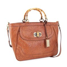 Look like Hepburn in Sea of Grass with this bag, and lure the likes of Spencer Tracy to your side.